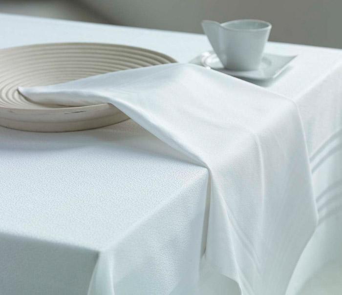 Spun Poly Table Linen
